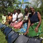 Solvattenkvinnor-i-Jinja
